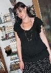 Laura Poantă  în vizită _ http://www.laurapoanta.ro/Poze/carti/laura_cu_bluza_super_1.JPG