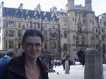Laura Poantă - Londra, mai 2013 _ http://www.laurapoanta.ro/Poze/carti/laura_londra_mai_2013.jpg
